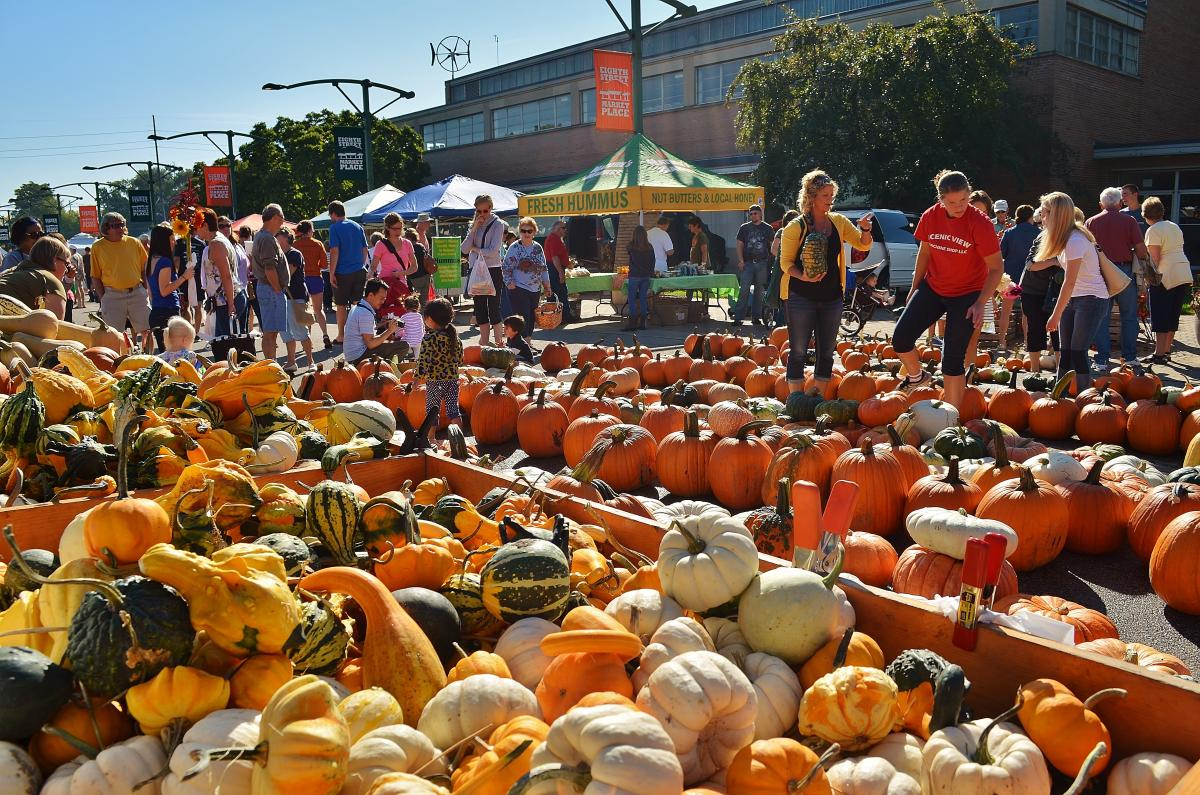 Farmers Market – Fall in Holland, Michigan