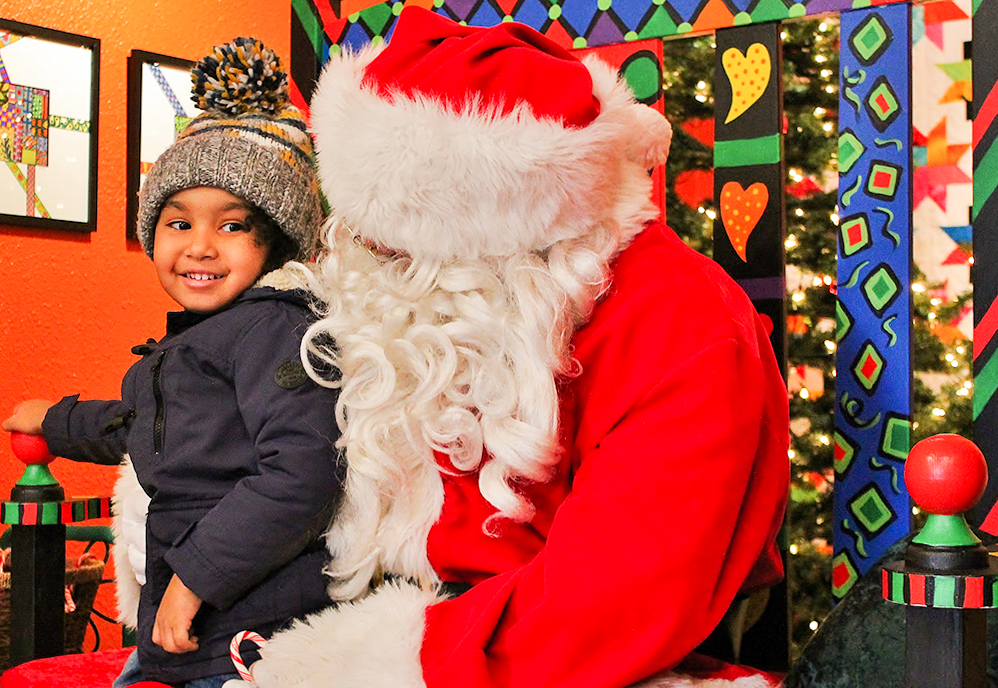 Visit Santa's Shoppe in Downtown Holland and Get Holiday Photos with Santa
