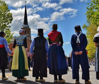 Dutch Dance Tulip Time Spring Holland Michigan