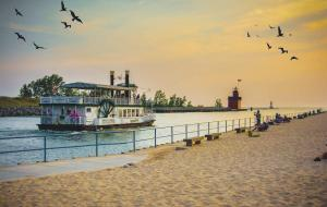 What to See & Tourist Attractions in Holland, Michigan