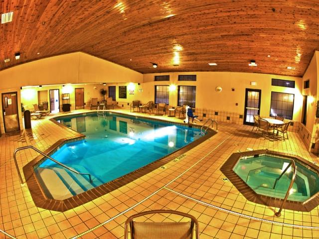 Pool Best Western Plus Holland MI