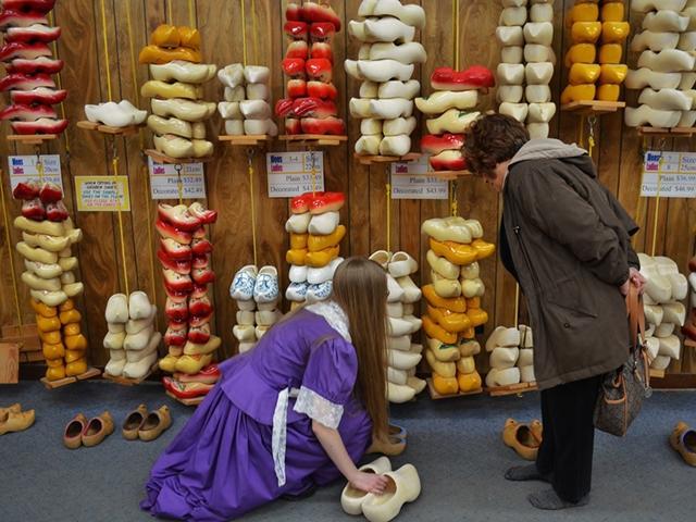 Deklomp Wooden Shoe Delft Factory Hollandorg