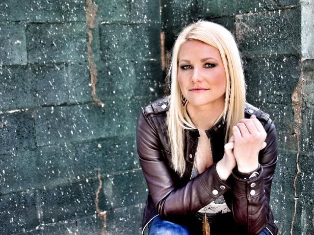 Kristen Kuiper LIVE at NHBC Pub on 8th