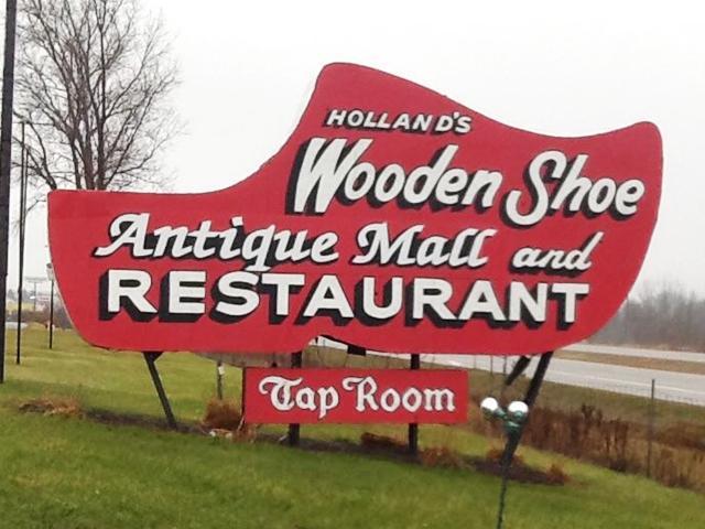Wooden Shoe Restaurant Hollandorg